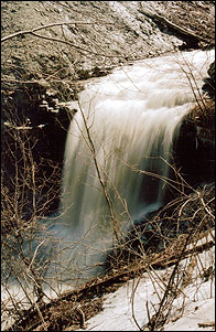 Lower_Punchbowl_Falls_sprsm